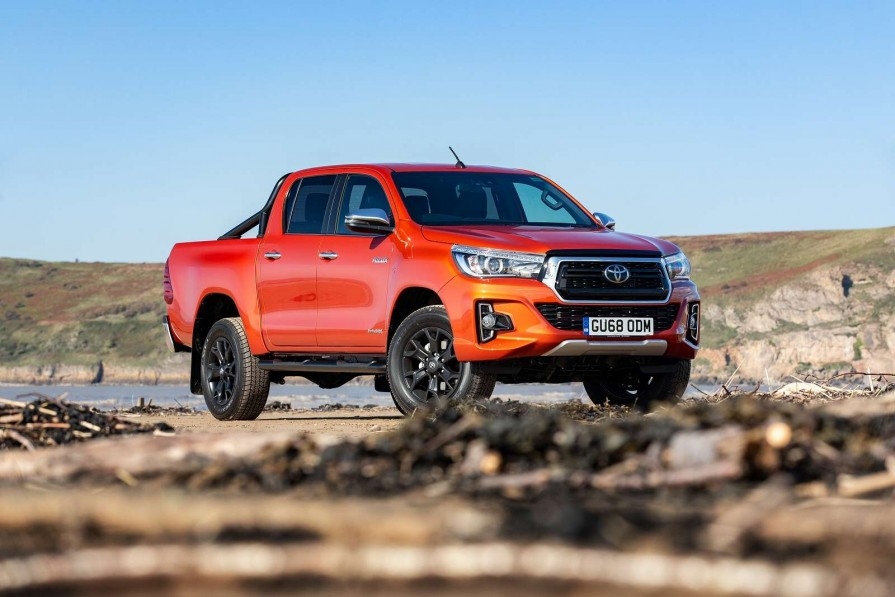 Toyota Hilux Diesel Icon D/cab Pick Up 2.4 D-4d Auto Tss
