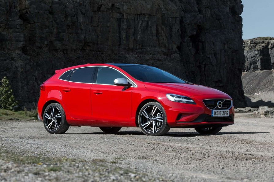 volvo v40 hatchback t2 122 momentum nav plus 5dr for lease. Black Bedroom Furniture Sets. Home Design Ideas