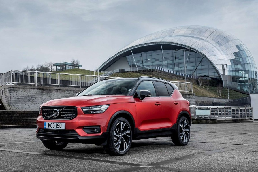Volvo Xc40 Diesel Estate 2 0 D3 Momentum Pro 5dr For Lease